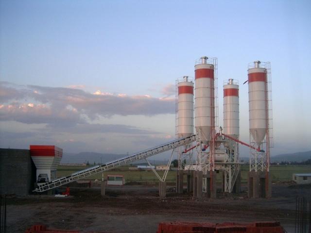 شراء Plant Capacity: 120 m3/hour compacted concrete
