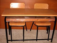 Table biplace et chaises élève en résine