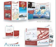 Discours; tracts; flyers; affiches et plaquettes publicitaires; dépliants; étiquettes de produits